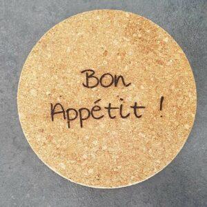 Dessous de plat personnalisé en liège par gravure laser - Bon appétit